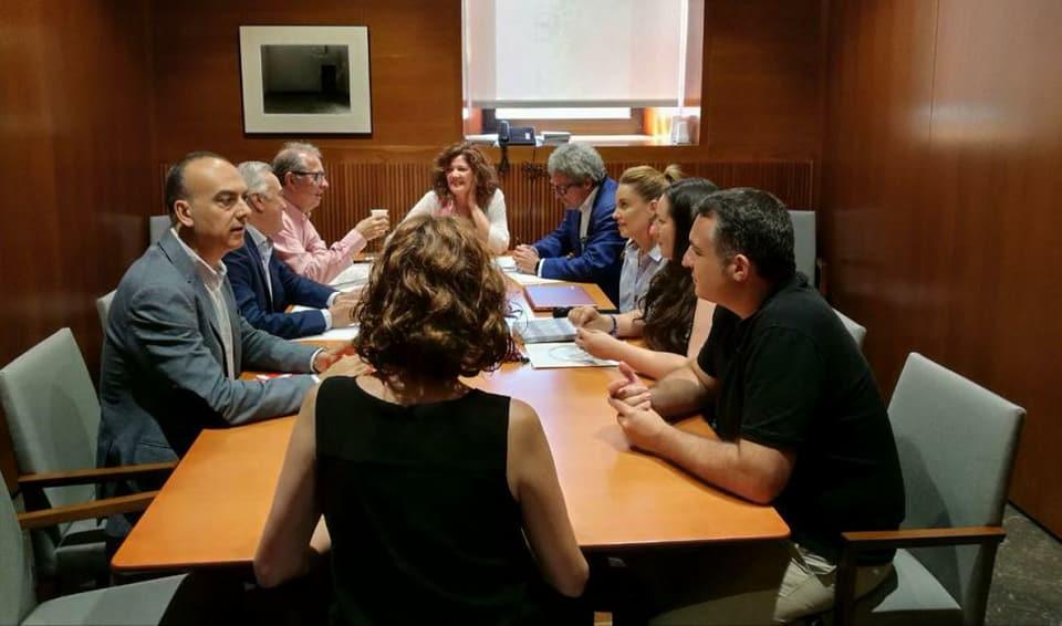 El PSOE da un giro en Aragón y pacta con PP y Ciudadanos quitar impuestos a los que más tienen